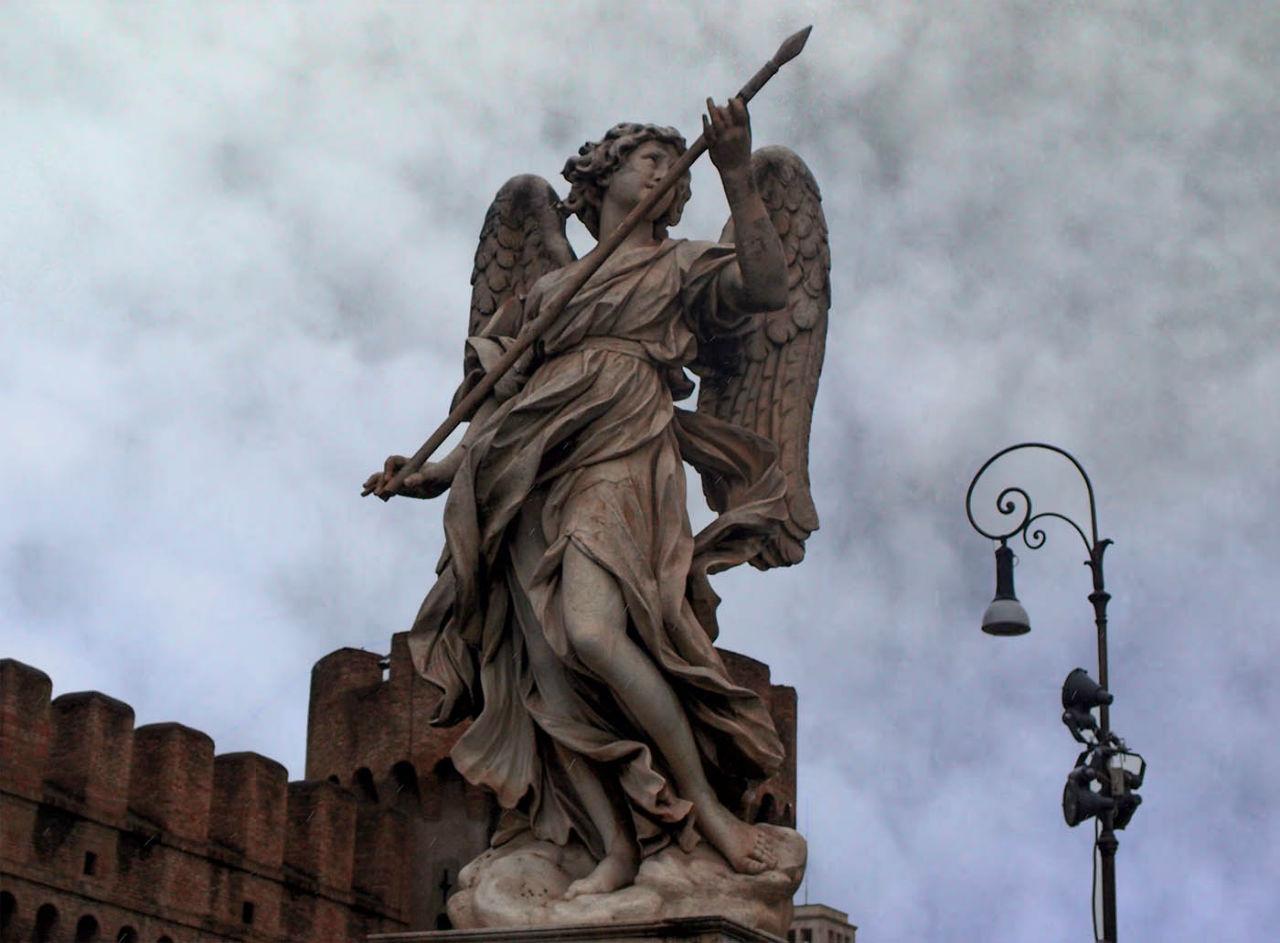 Ватикан. Серый день, белый мрамор Пьеты́