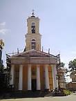 Петропавловский собор (был заложен в 1809г. по заказу Н.П.Румянцева, построен в 1819г., архитектор Дж.Кларк, стиль классицизм)