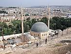 Вид с крепости на мечеть.