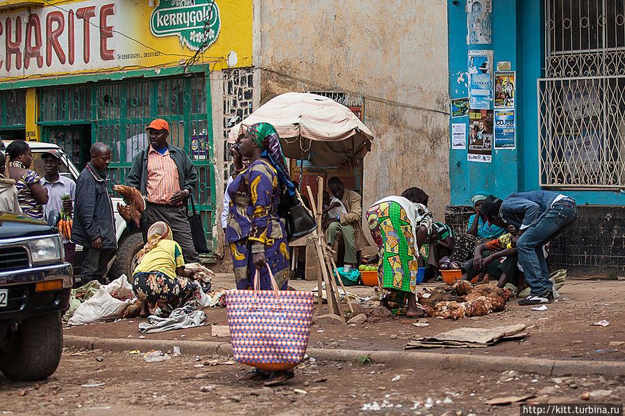 Открытый рынок. Чем торгуют- не разобрать... Букаву, ДР Конго