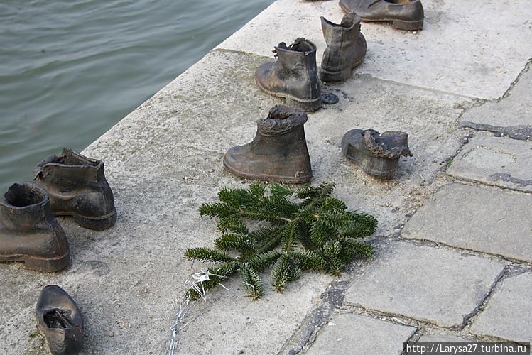 Памятник жертвам холокост