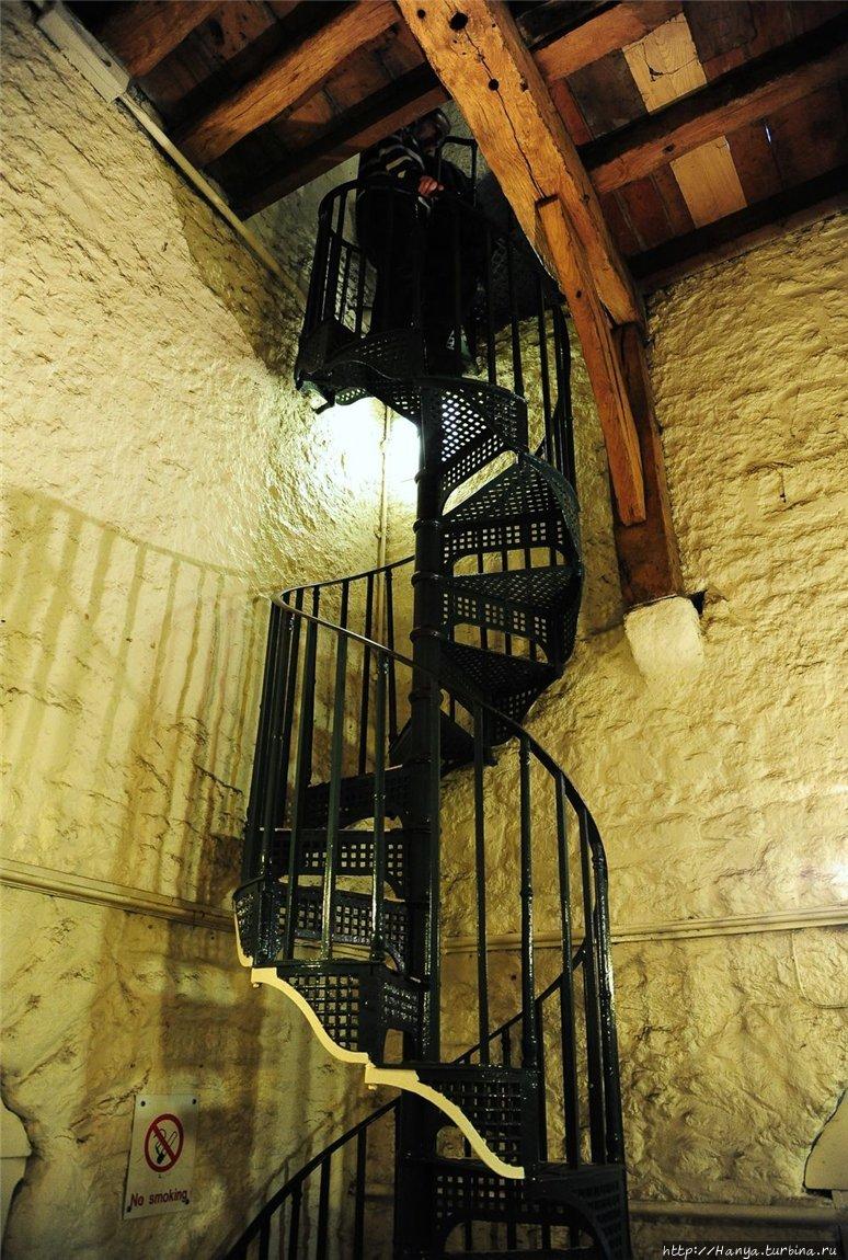 Винтовая лестница на верх
