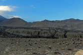 потому с облегчением встретили так кстати оказавшийся в каньоне под Марангом Саукре, где мы и заночевали. Отсюда до Саукре идти еще почти час, потом штурмовать стену каньона в Маранг не было ни сил, ни желания