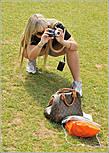 Да, нелегкая это работа — вместить в кадр такую махину. Рядом с Эйфелевой башней часто можно видеть ползающих на карачках людей с фото аппаратами... *