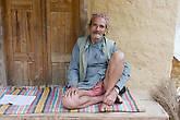 Балтали, местные жители. Дедушке 82 года