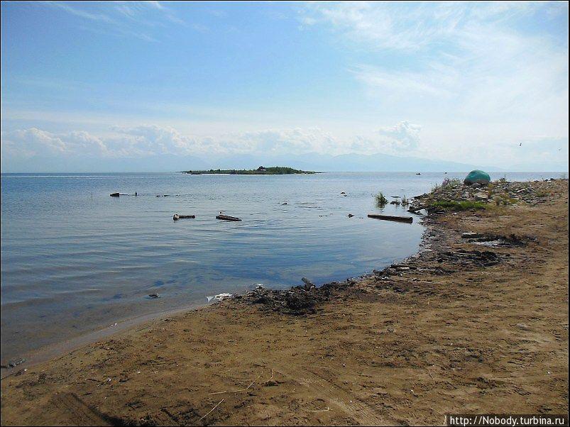 Мы приплыли обратно. Теперь Байкал справа, а Ангарский Сор — слева))