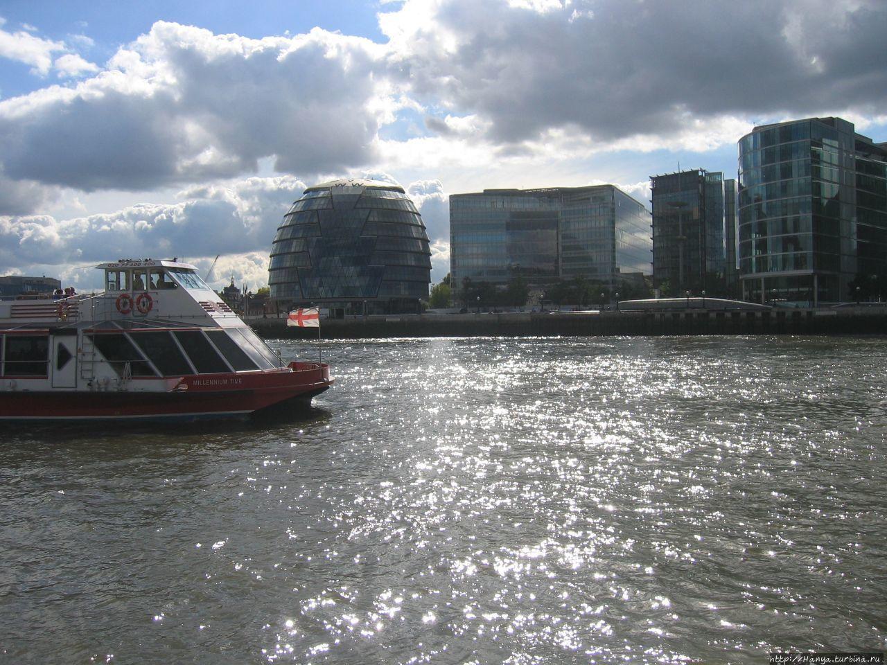 Набережная Темзы в Лондон