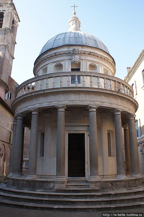 Темпьетто, архитектор Донато Браманте, 1502 год.