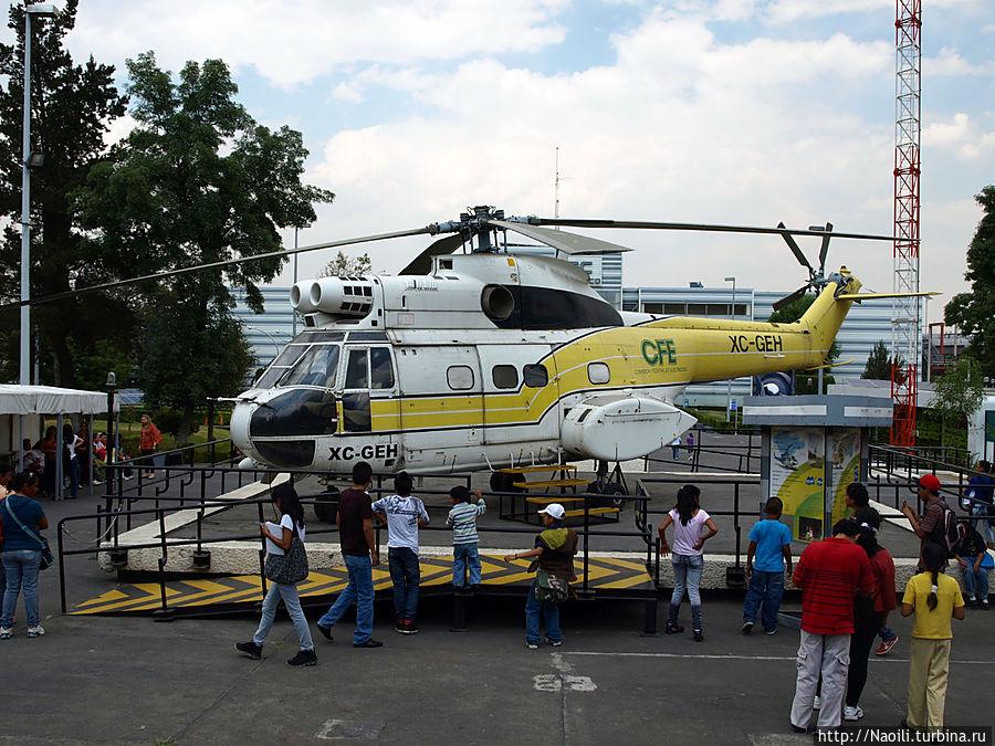 Вертолет Пума СА 330, построен в 1968 году (Франция и UK), по вместимисти равен 3 автомобилям или 4 тонны груза. Всего было выпущено 692 вертолеле