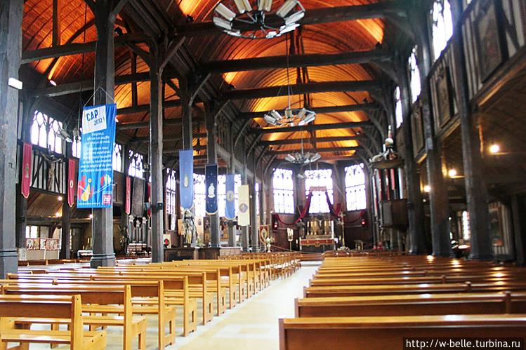 Южный неф церкви Св. Екат