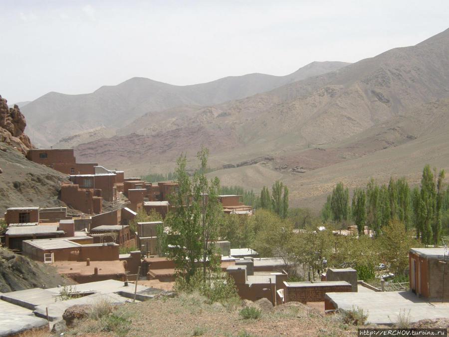 Розовая деревня Абеяне, Иран