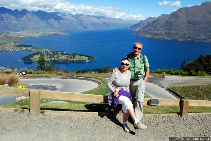 Вид на озеро Вакатипу с вершины горы Ben Lomond Квинстаун, Новая Зеландия