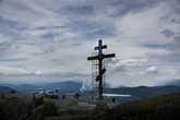 На вершине горы, прямо над городом местные жители во главе с батюшкой Карабашского храма поставили большой (порядка 10 метров), зеркальный крест. Крест очень бросается в глаза издалека любому подъезжающему к городу. Внизу, на склоне горы, выложена надпись камнями