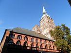 Церковь Св. Николая и южный фасад Ратуши