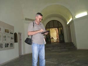 История города в фотографиях представлена на стендах в Воскресенском соборе. Планшет с мобильным интернетом тоже был не лишним :).