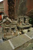 Модели каменных домиков