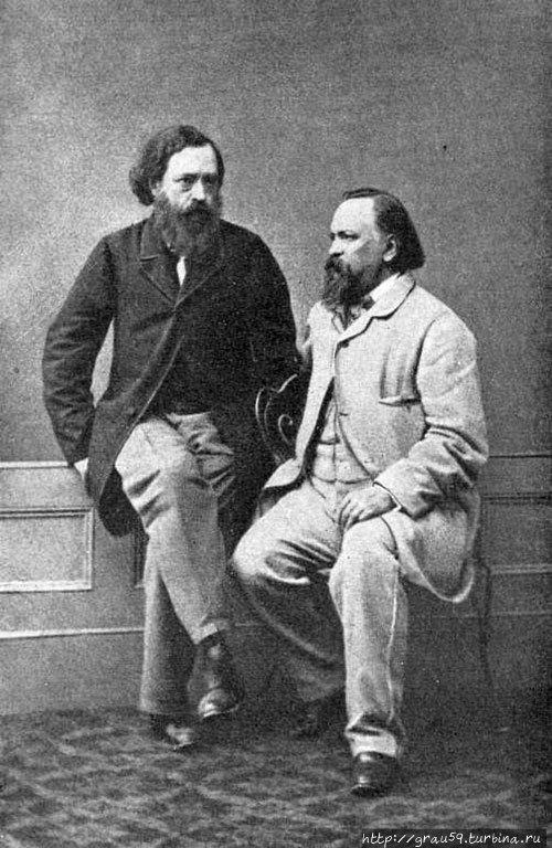 Николай Огарев (слева) и