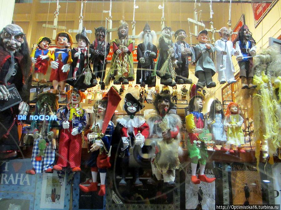 Витрина сувенирного магазина