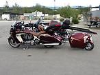 Мотоциклистов — тьма!!! Все прутся на Северные территории и Аляску