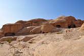Взглянув на расположенные у входа в древний город скалы, можно понять в чем заключается «фишка» Петры.