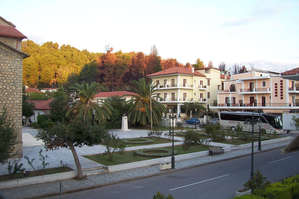 Центральная площадь Олимпии