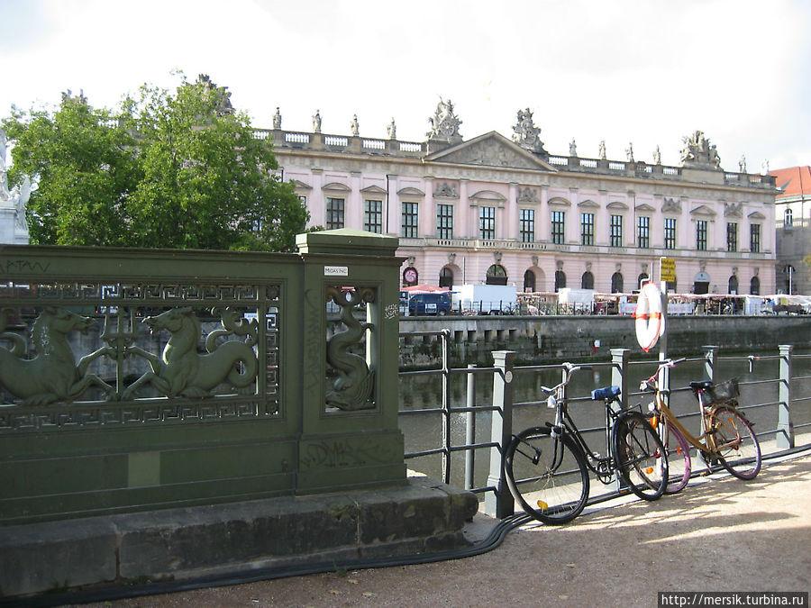 Поворот к музею конопли
