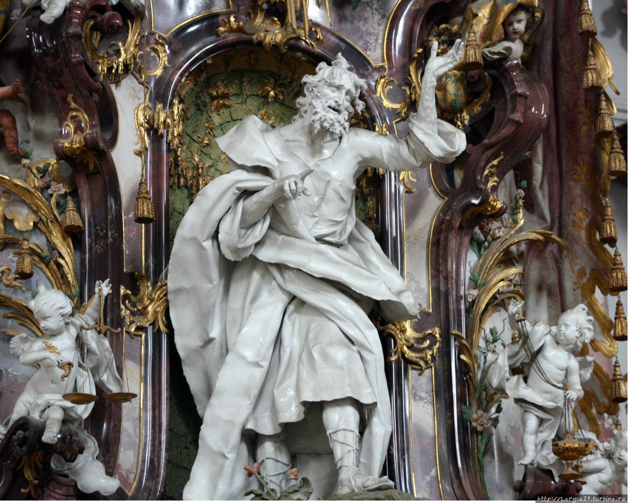 Пророк Иезекииль, скульпт