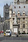 Памятник бельгийскому писателю и филологу Яну Франсу Виллемсу