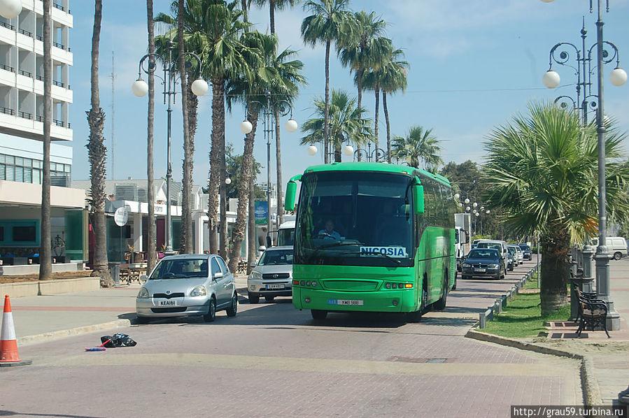 Автобус Ларнака-Никосия