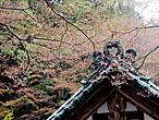 Над крышой одного из верхних храмов