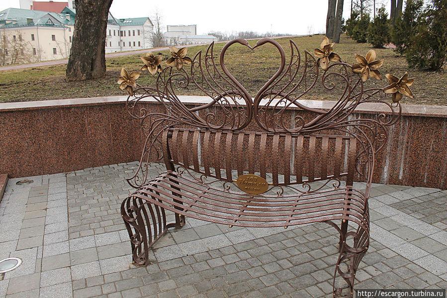 Еще и скамеечку для влюбленных поставили, но об этом я расскажу в следующем совете http://turbina.ru/q/advice/71042/