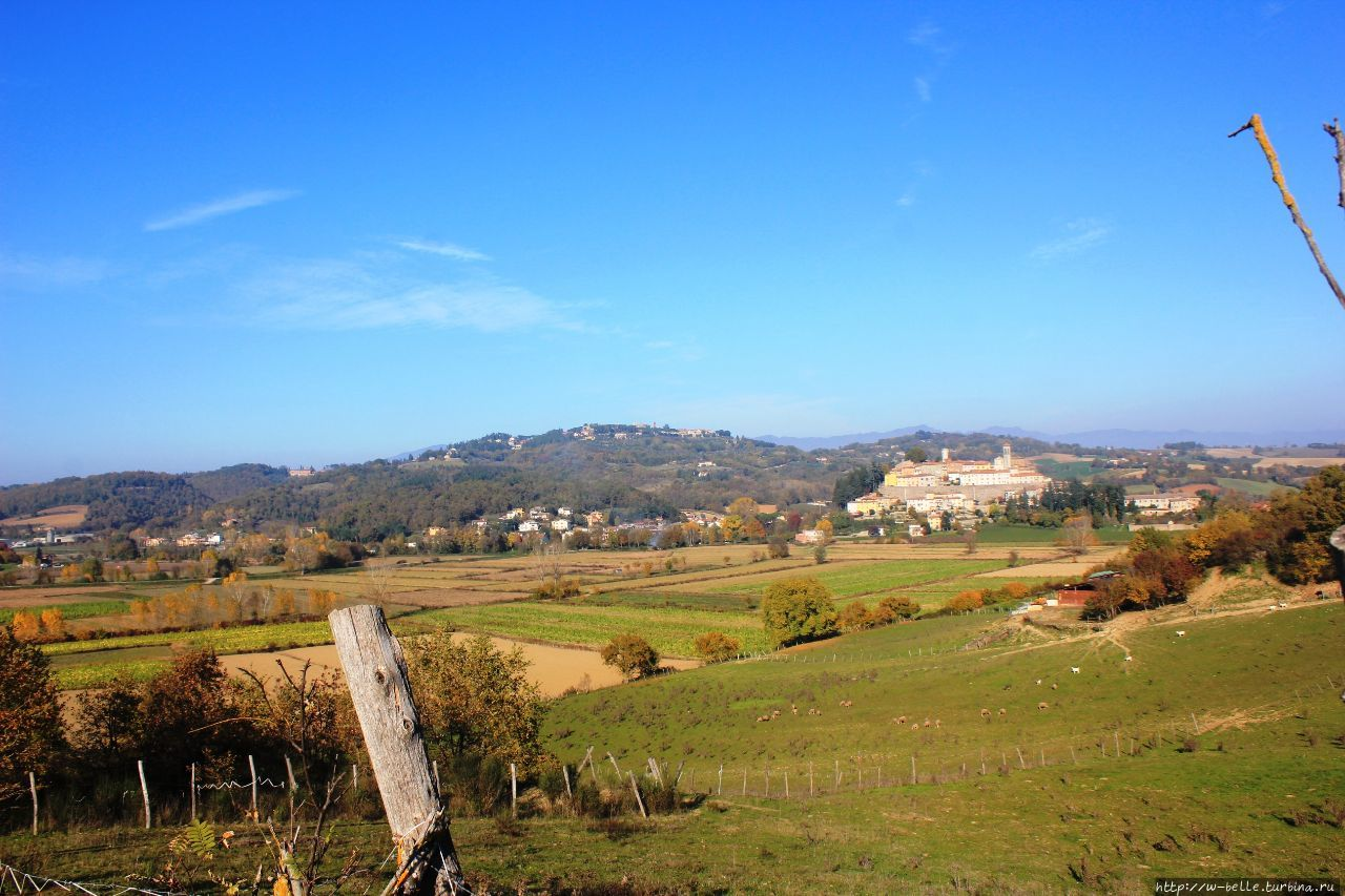 Вид на Монтерки с долины.