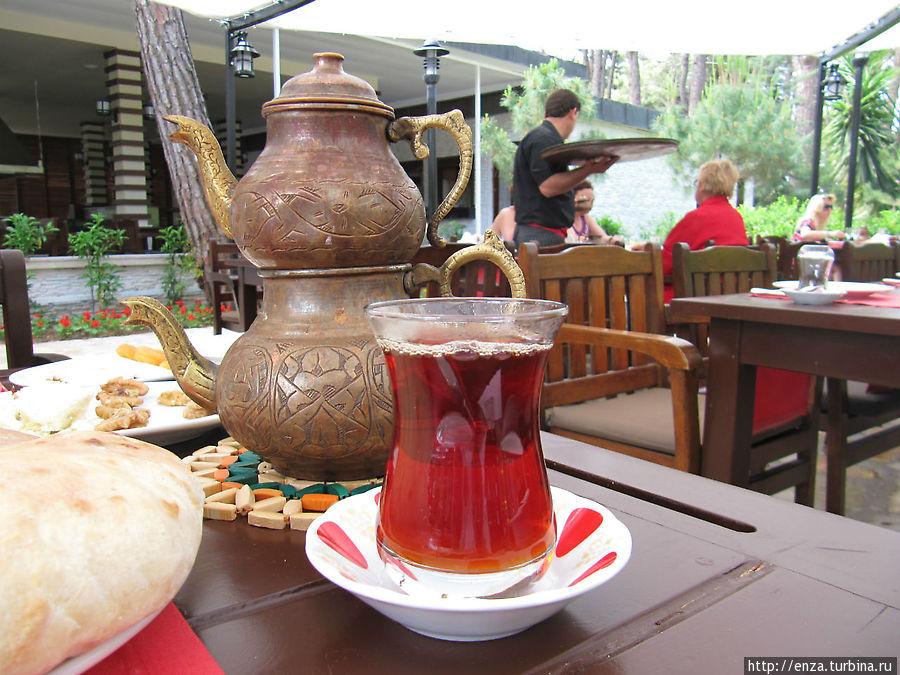 Завтрак в турецком ресторане
