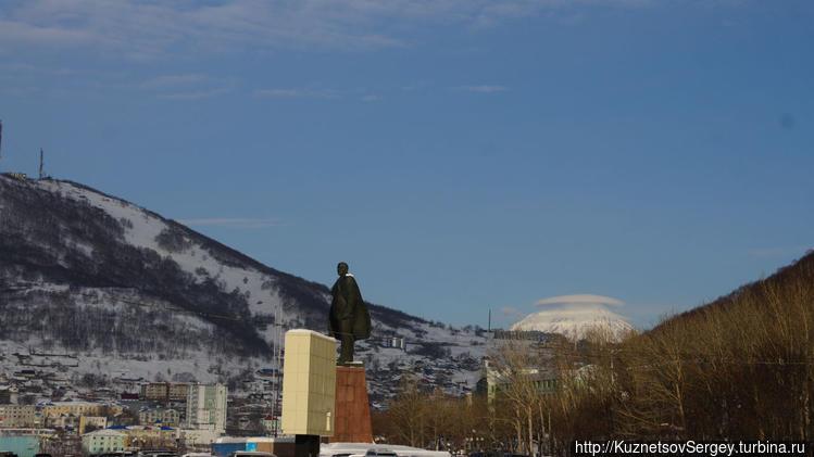 Памятник Ленину в Петропа