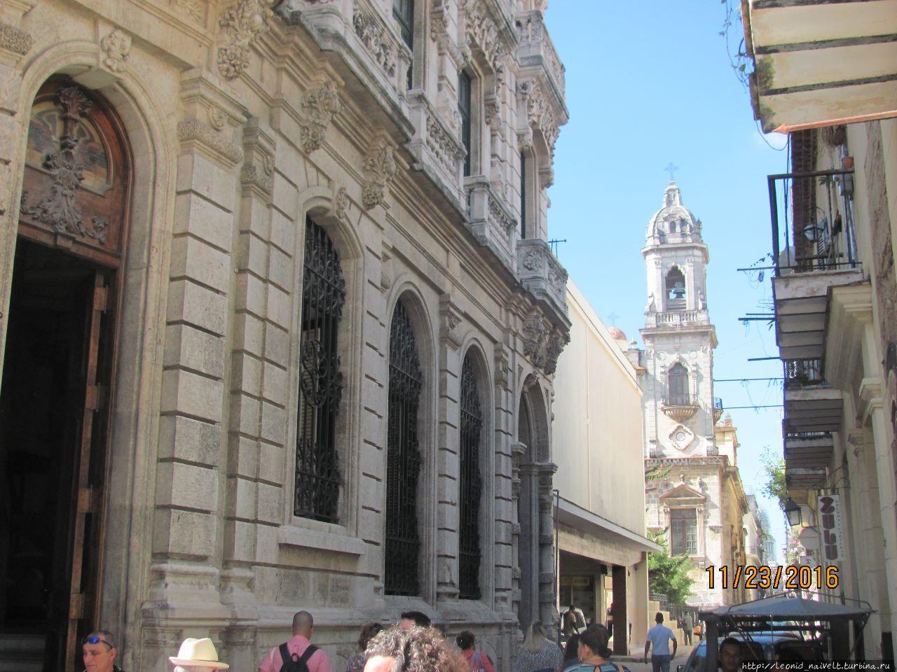 Гавана. Куба.  Достопримечательности. С виду скромная мадам
