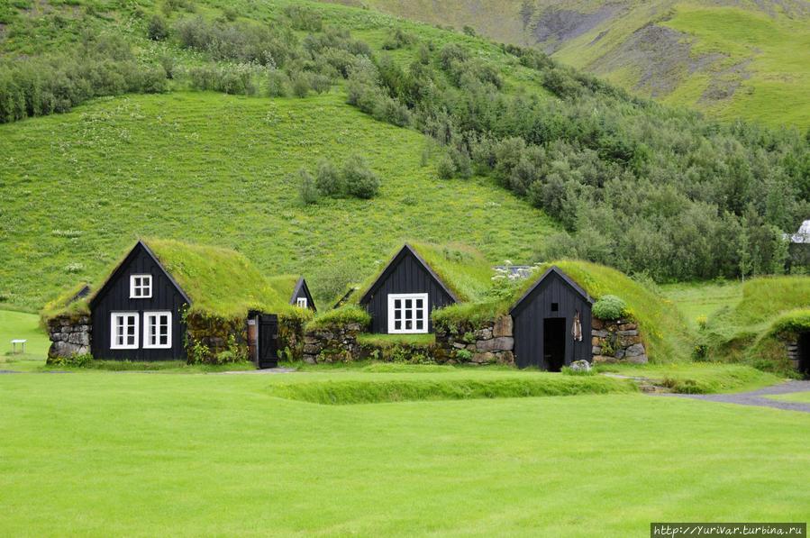 Этнографический Музей (Skogar Folk Museum) в деревушке Скогар Исландия