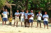 Теплая встреча на берегу острова Дравага