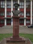 бюст В.П. Иващенко