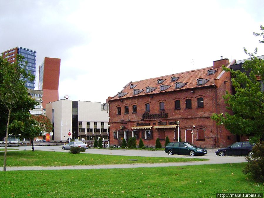 Здесь вас угостят лучшими сортами литовского пива, включая светлое пиво Memel собственного производства