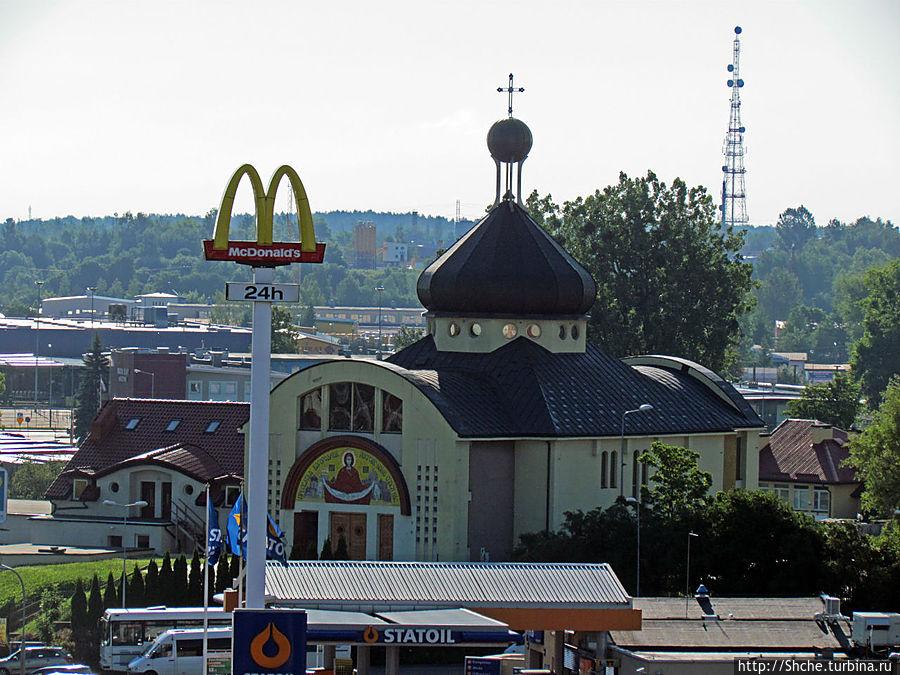виды вокруг не предпологали к прогулкам, но центр Ольштына не разочаровал...