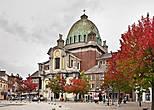 Площадь Шарля II. Церковь Св. Христофора