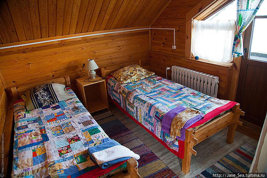 Комната на втором этаже с балконом на Лекшмозеро