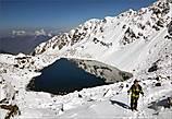 Наконец, озеро Госайкунд осталось где-то внизу