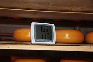В помещении необходимо держать определенную температуру и влажность.