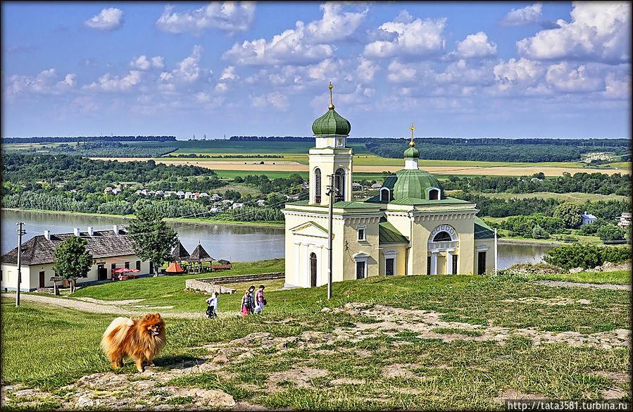 Действующая гарнизонная церковь Александра Невского Хотин, Украина