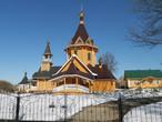 Храм полностью деревянный. Сруб для него был составлен в Сибири из деревьев породы сибирской сосны. Рядом с храмом — небольшая звонница.  Постройка 2004-2005 г.г.