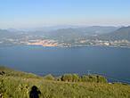 вид на озеро с высоты.