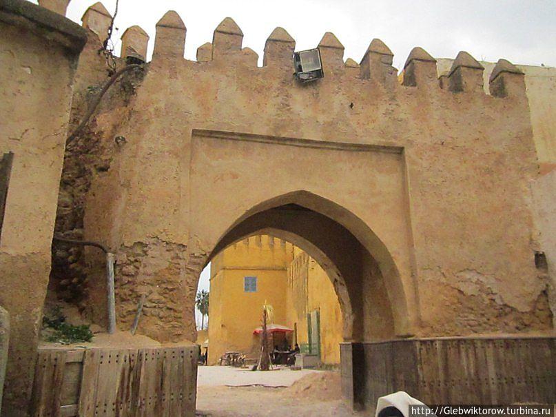 Марокко. Город Сефру февральский Сефру, Марокко