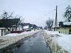 Чтобы попасть на центральную улицу стоит пройтись долгие ряды деревенских домишек. Улицы в городке длинные, но довольно однообразные.