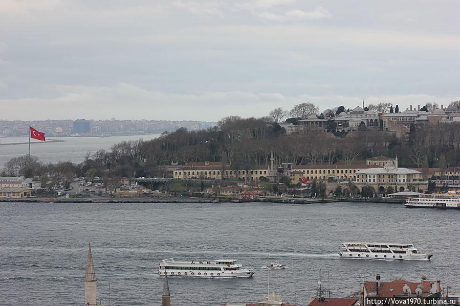 Вид на султанский дворец Топкапы.